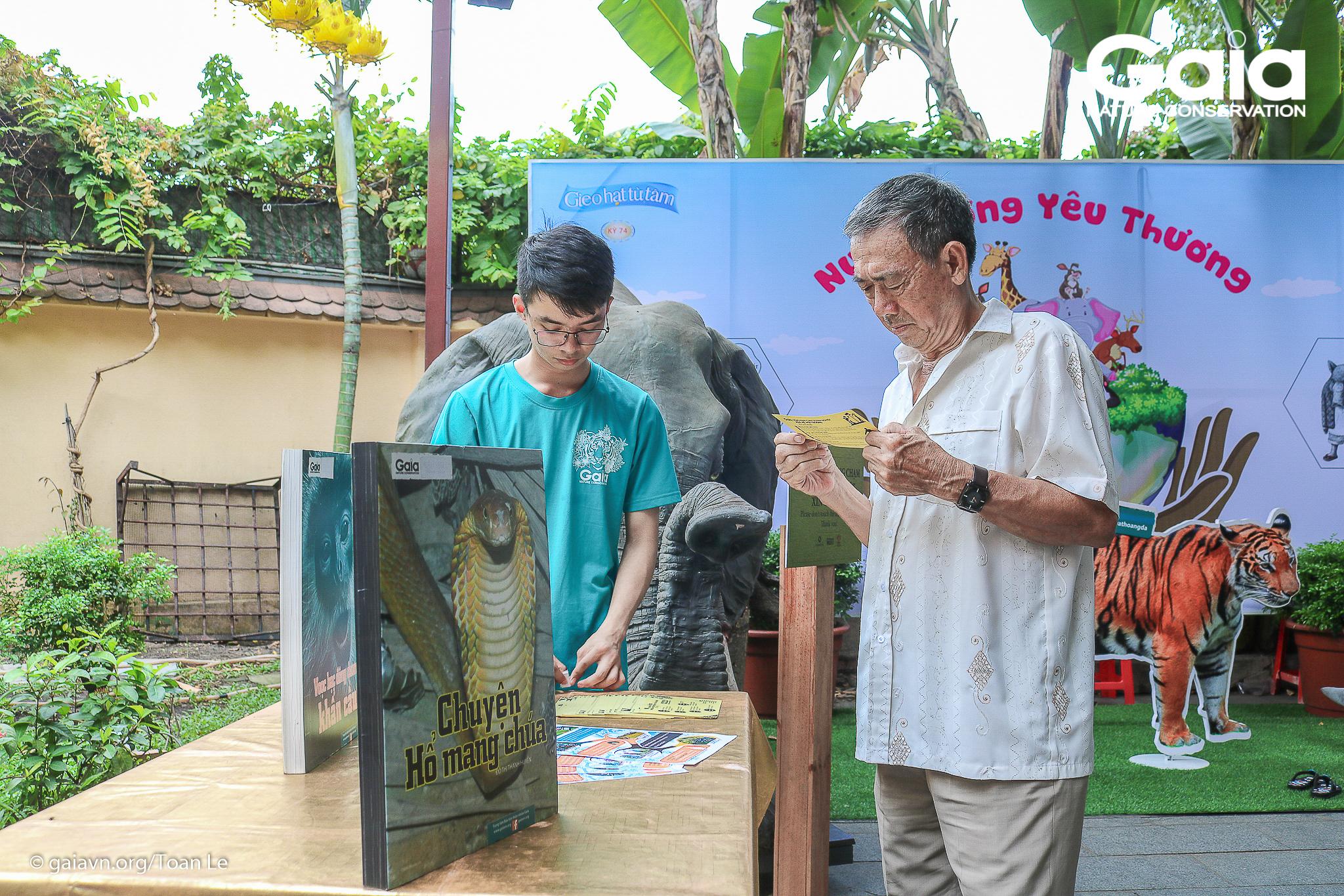 Phật tử tìm hiểu các hoạt động của Gaia