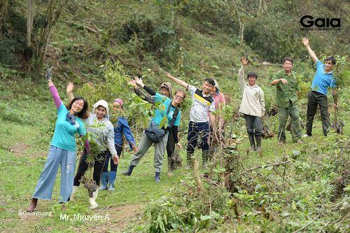 Niềm hạnh phúc khi cùng chung tay trồng rừng và chăm sóc rừng