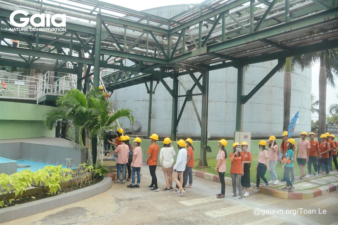 Thăm quan hệ thống lý nước thải của nhà máy.