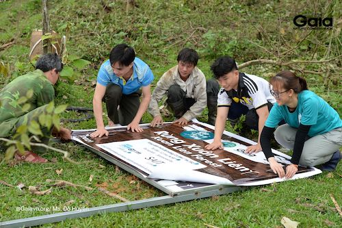 Dựng bảng tên khu rừng