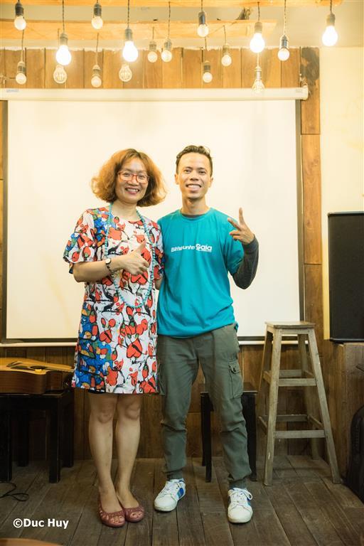Chị Đỗ Thị Thanh Huyền – Nhà sáng lập -Giám đốc Trung tâm Bảo tồn Thiên nhiên Gaia và Anh Hồ Nhật Hà – Chàng trai đi bộ xuyên Việt với 100k và cây đàn guitar tại chương trình.