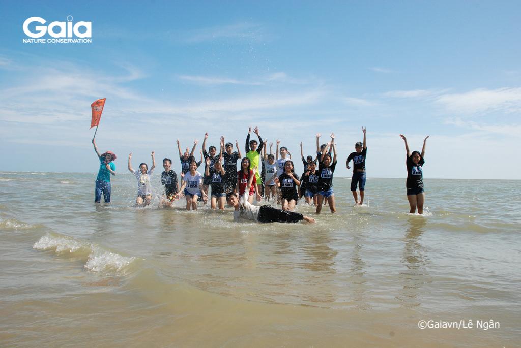 Hào hứng tại biển Hồ Cốc
