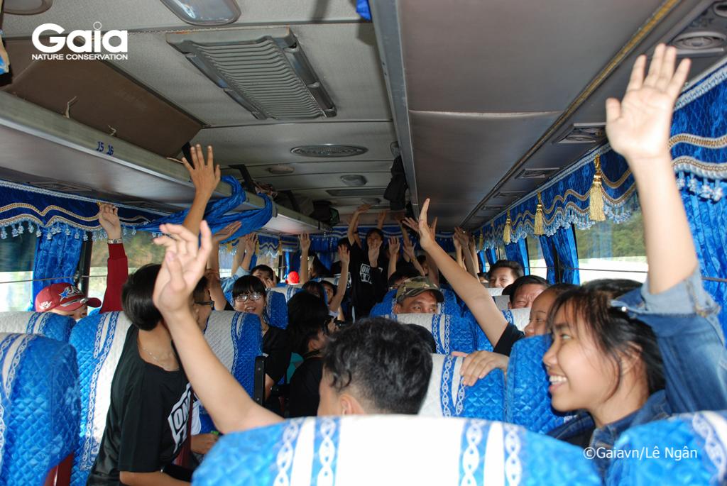 Học sinh hào hứng trong suốt chuyến đi