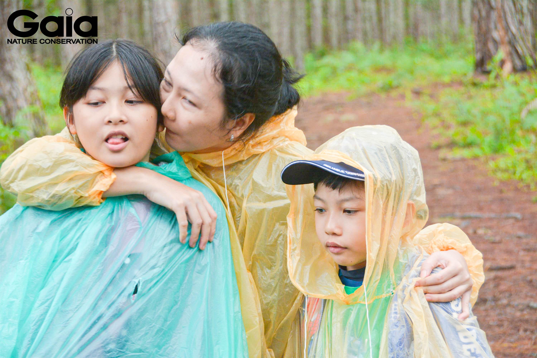 Ba mẹ kết nối với trẻ thông qua các hoạt động