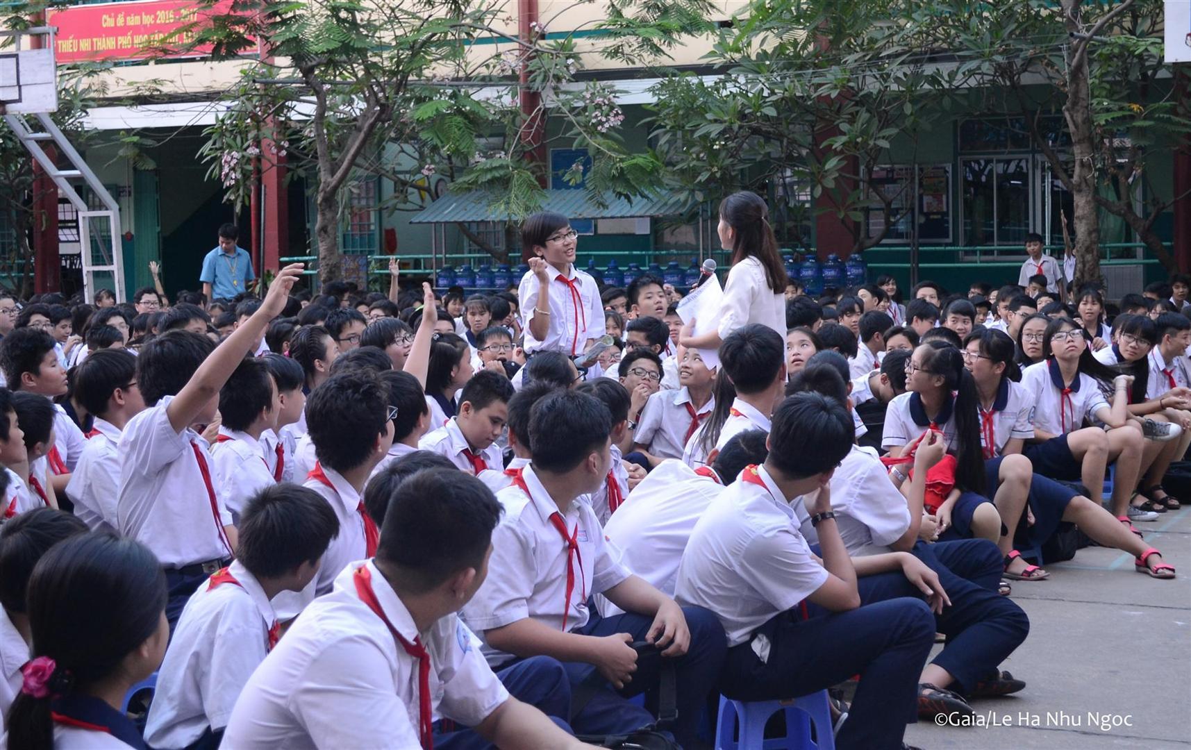 Học sinh tham gia trò chơi về Động vật hoang dã