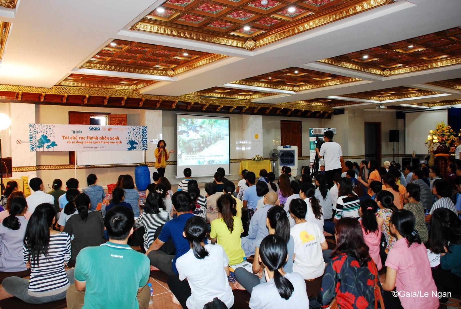 Người tham gia tìm hiểu hiện trạng xả rác hữu cơ tại TP.Hồ Chí Minh