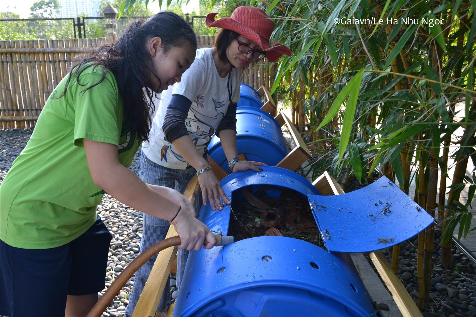 Hướng dẫn hoạt động của thùng compost