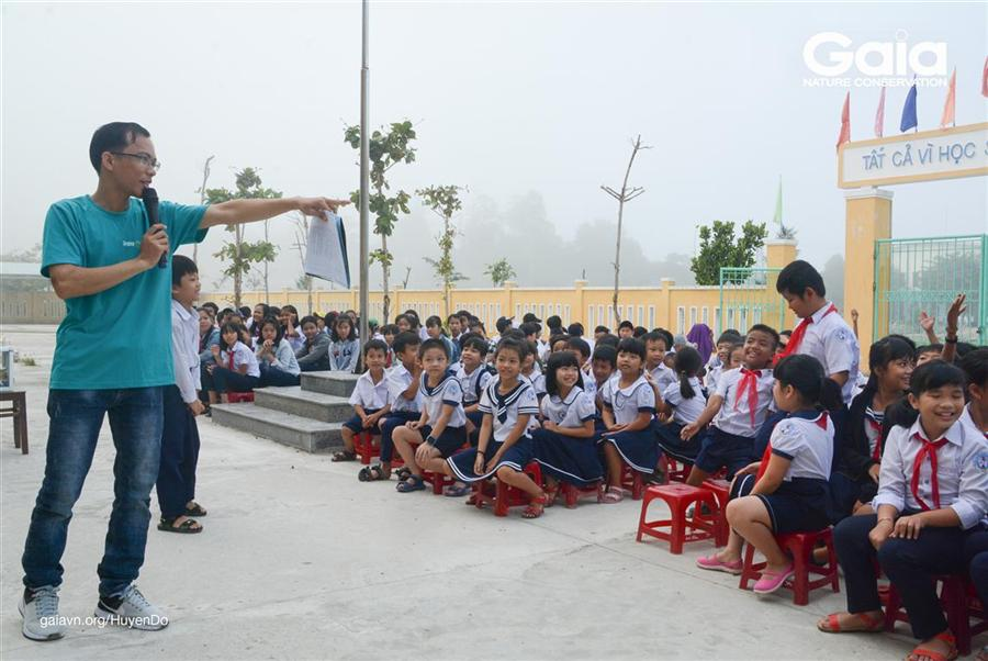 Cán bộ Khu Dự trữ sinh Quyển thế giới Cù Lao Chàm – Hội An, người đã được tập huấn nâng cao năng lực giáo dục môi trường, tổ chức hoạt động với học sinh
