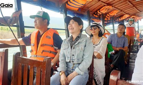 oàn đại biểu tham quan Vườn quốc gia Tà Đùng.