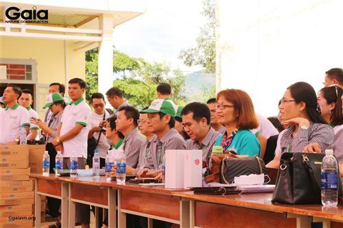 oàn đại biểu tại Trường PTDTBT - Tiểu học Vừ A Dính.