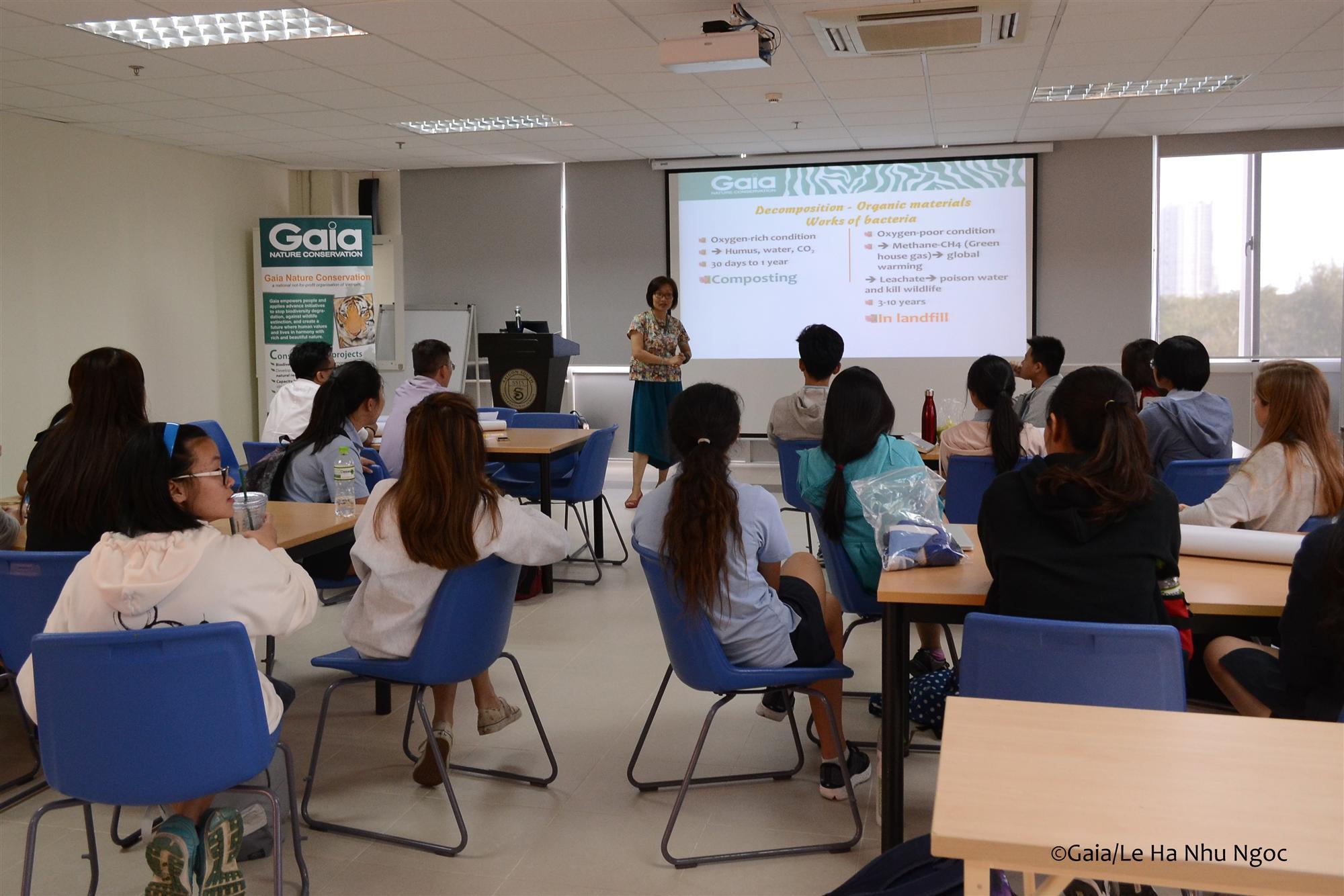 Học sinh Nam Sài Gòn tại buổi tập huấn
