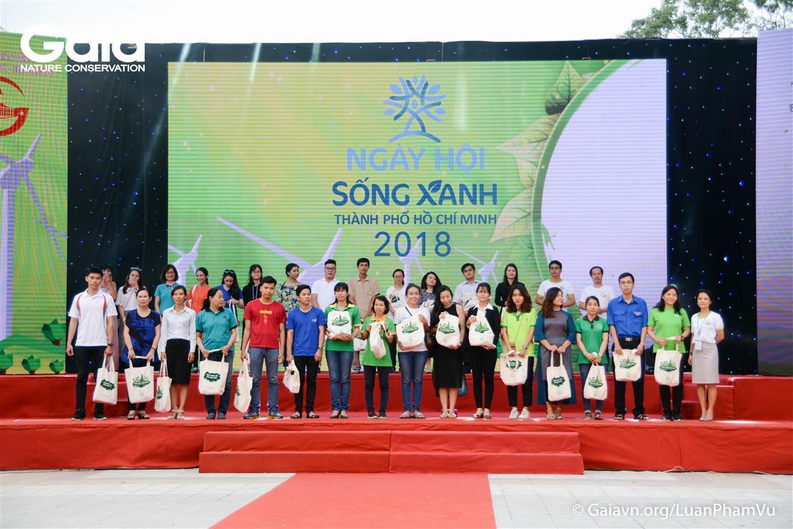 Các tổ chức và đơn vị tham gia Ngày Hội Sống Xanh TPHCM 2018 được vinh danh.