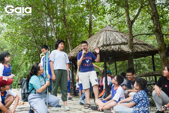 Thuyết trình song ngữ Anh Việt, mô hình của nhóm bằng tiếng Anh.